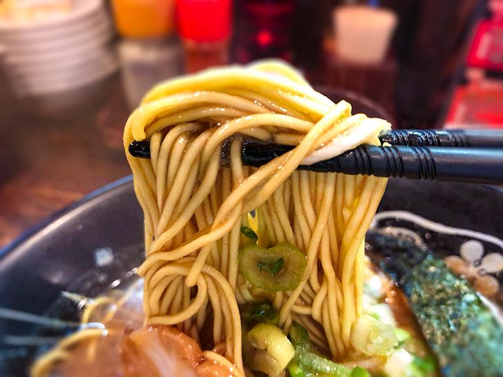 神仙の濃厚中華そばの麺