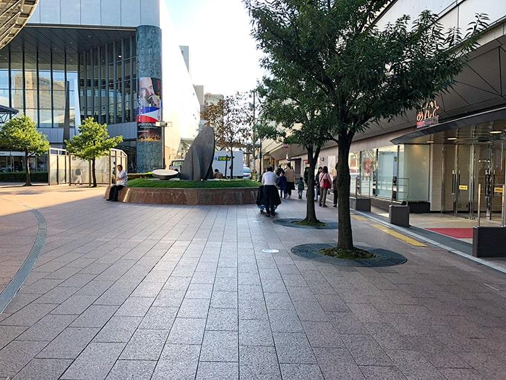金沢駅東口あんと前