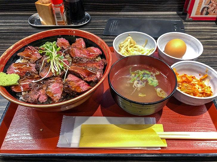 肉食堂ステーキ丼