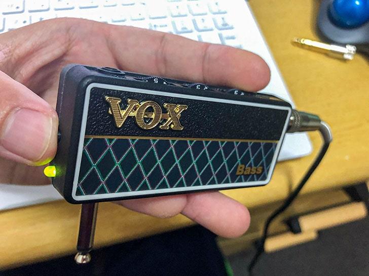 Vox amplug2 リズムボタンと電源ボタンを押す