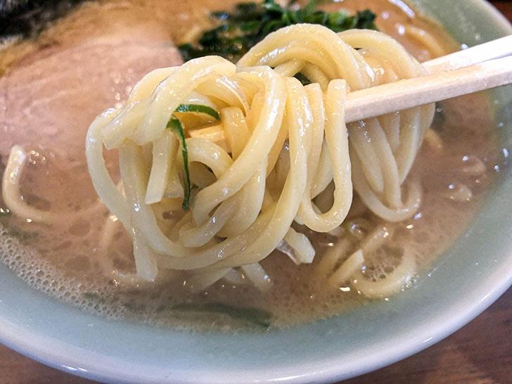 元喜家の太麺ストレート