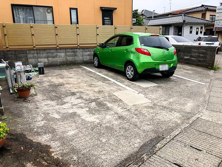 金澤流麺 らーめん南 お店の横駐車場