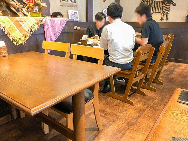 印度家 金沢店 テーブル席