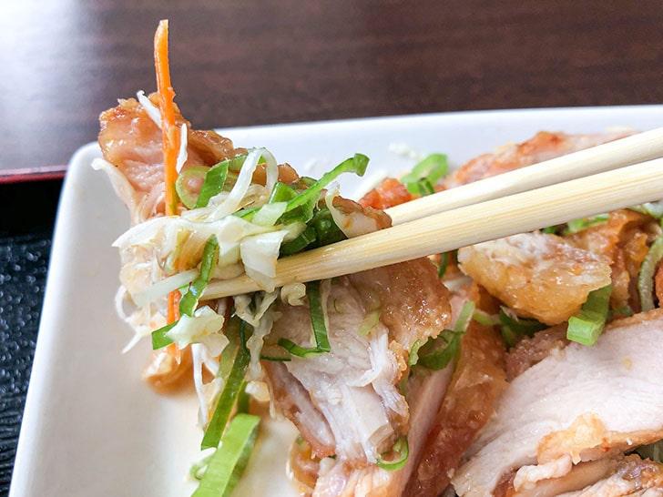李家楼 (リカロウ) 油淋鶏と野菜