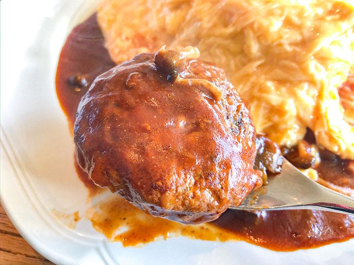 chezcouple(CHEZ COUPLE(シェクープル)) 自家製煮込みハンバーグ添えオムレツライス 大盛 (デミグラスソース) ハンバーグ