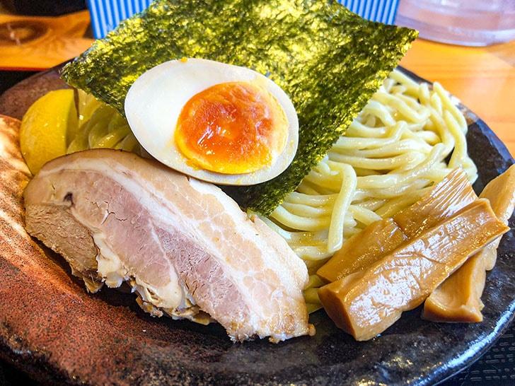 札幌海老麺舎 金沢銭五店 麺、チャーシュー、海苔、メンマ