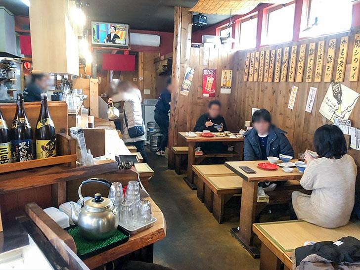屋台餃子 風天 テーブル席2