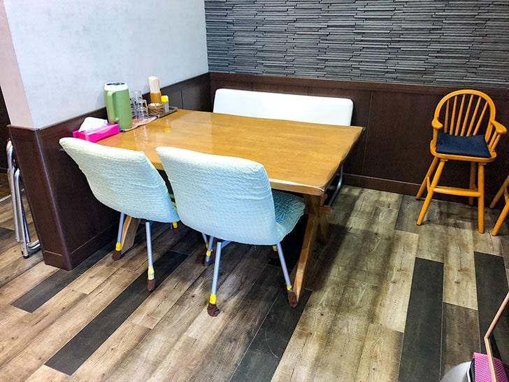 らぅめん とみ軒 テーブル席