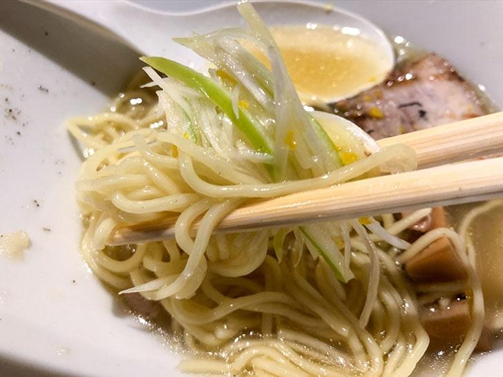 弓月(YUZUKI) 麺とネギ