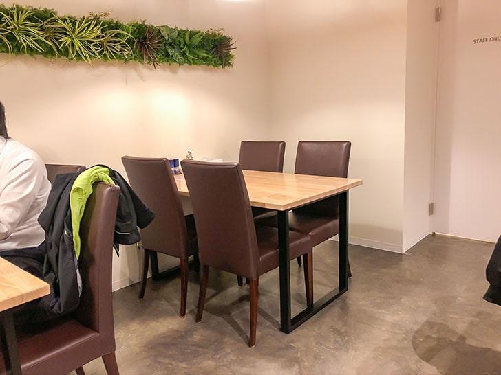 弓月(YUZUKI) テーブル席