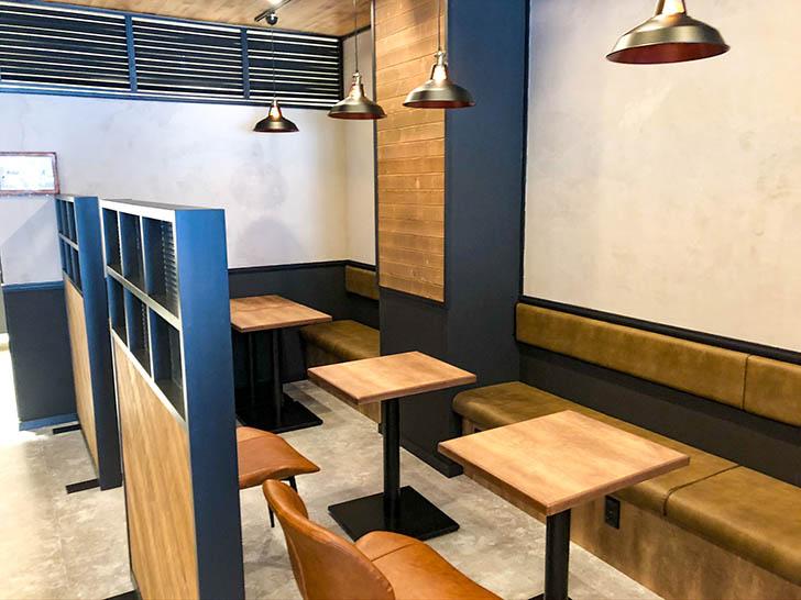 琥珀‐KOHAKU‐金沢竪町店 テーブル席