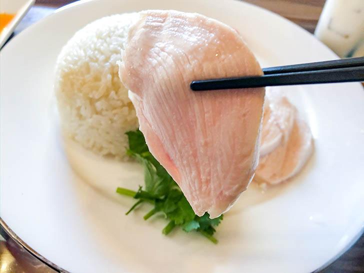 雷風 海南鶏飯(ライフーチキンライス) 柔らかいチキン