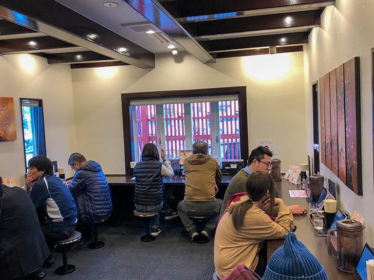 自家製麺 つけ麺桜 カウンター席