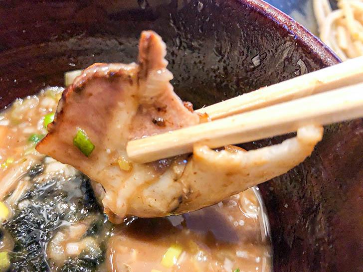 自家製麺 つけ麺桜 つけ汁にチャーシュー