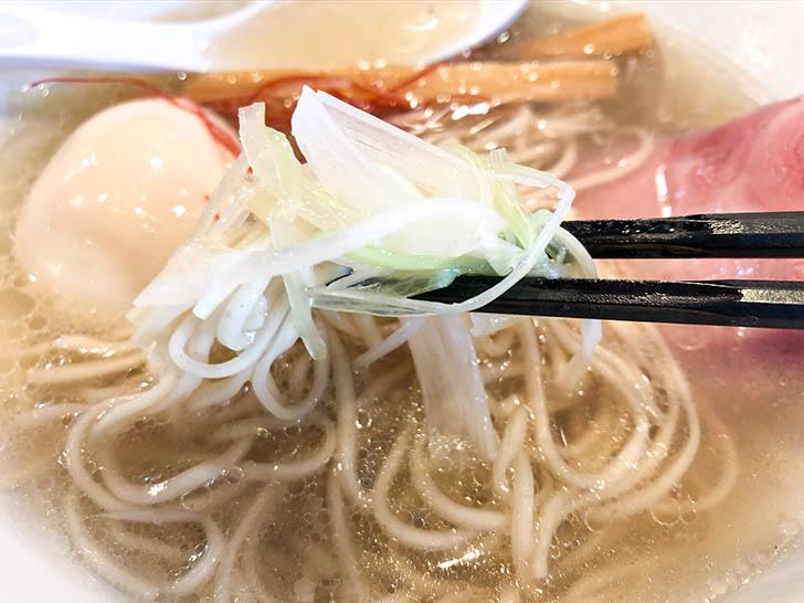 麺匠 金色堂 シャキシャキネギと細麺