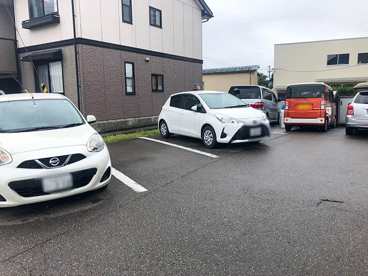 竹の家 駐車場