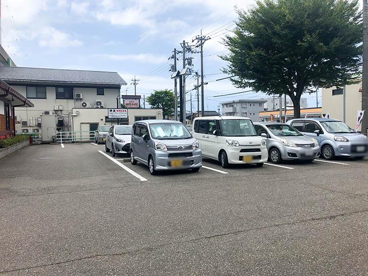 陣笠 駐車場