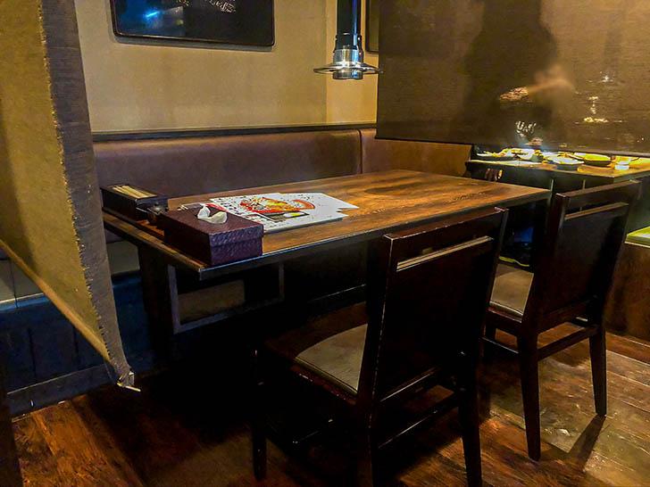 軍鶏屋本店 テーブル席
