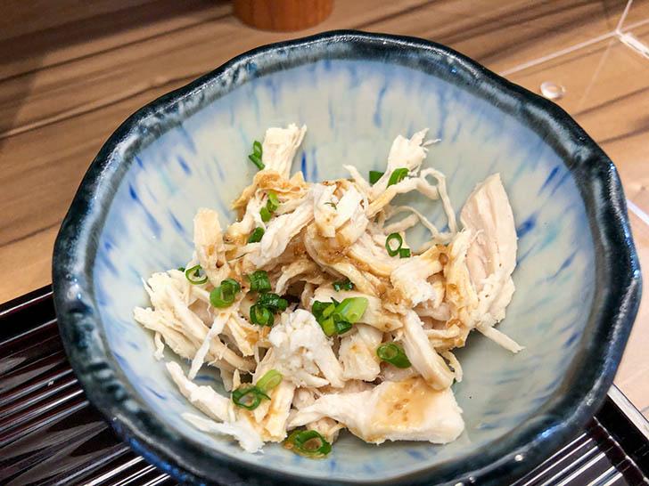 キッチン二郎 胸肉のサラダ