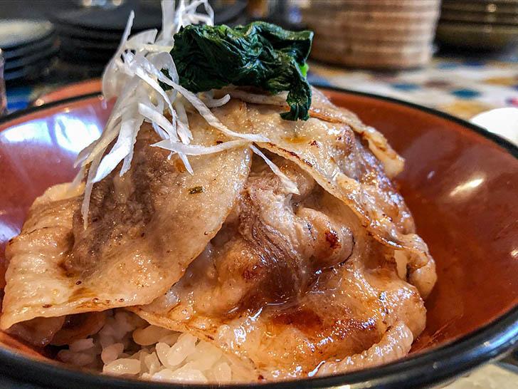 oink oink 豚丼