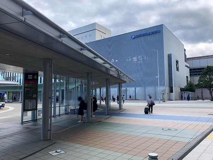 塚田農場 金沢駅西口店 バスターミナルの右側