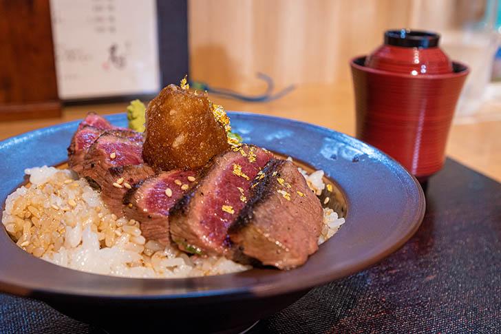 東山 志(Yoshi) 能登和牛A5 ステーキ丼