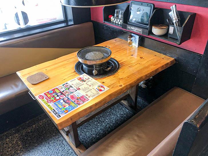 しちりん家 野々市店 テーブル席2