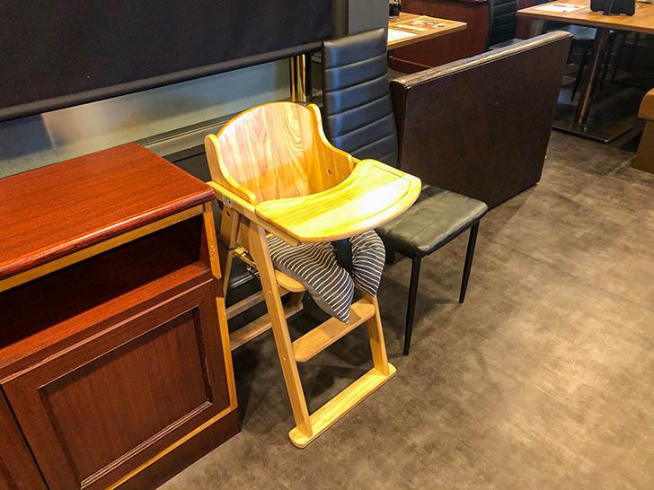焼肉 koba 野々市店 子供用の椅子