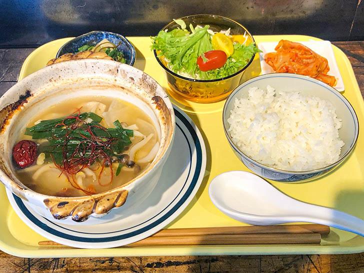アイレットキャンテーン 参鶏湯