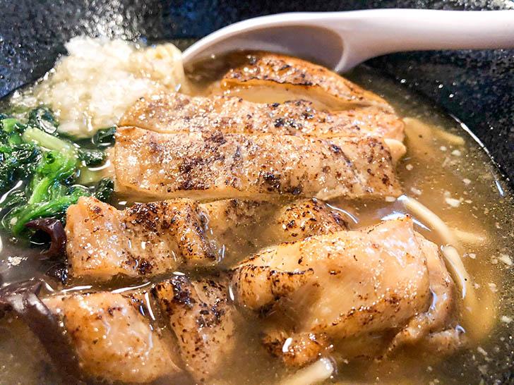 麺食い処 てんてん 200グラムの鶏肉