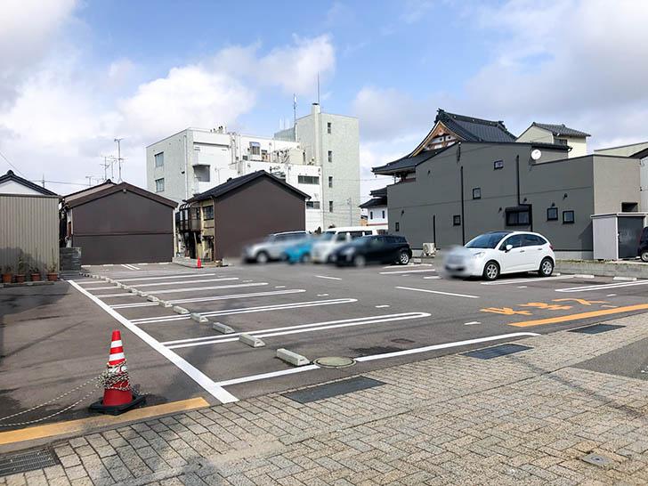 のらり 駐車場