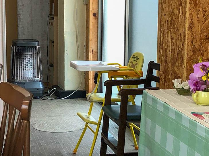cafe コイノニア 子供用の椅子