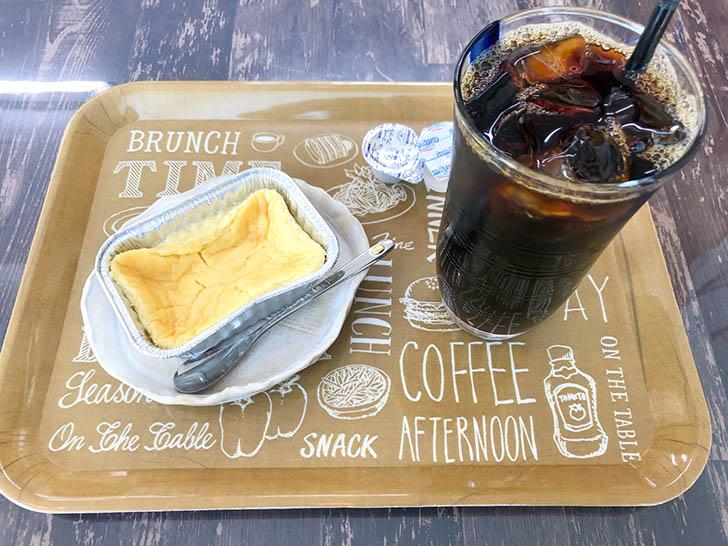 cafe コイノニア チーズケーキとアイスコーヒー