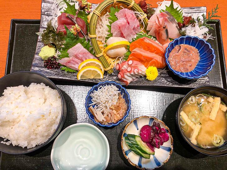 庄や ダイワロイネットホテル金沢店 刺身が旨い定食
