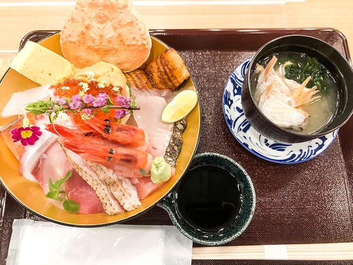 海鮮丼 ゆたか水産 近江町ゆたか 最強丼