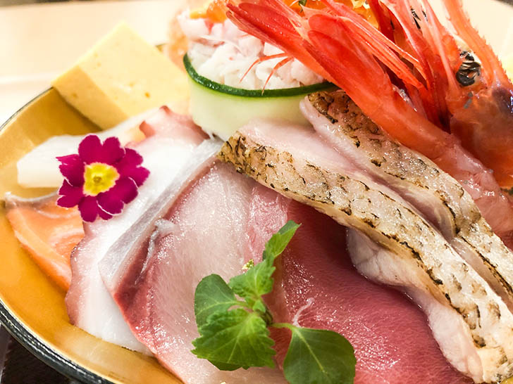 海鮮丼 ゆたか水産 刺身