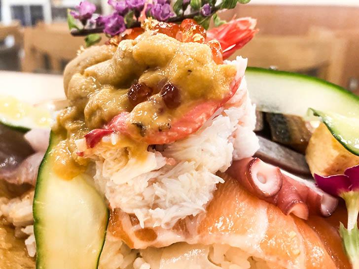 海鮮丼 ゆたか水産 カニ ウニ