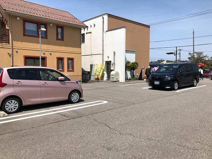 みつばちカフェ 駐車場2
