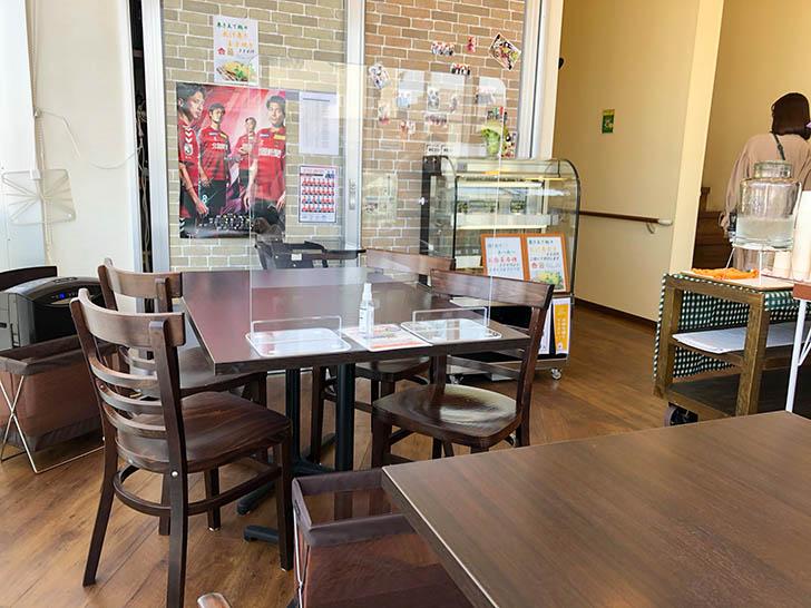 みつばちカフェ 2階店内