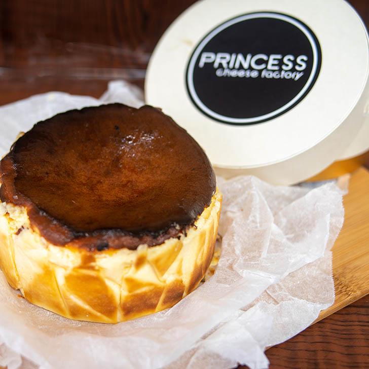 プリンセスチーズファクトリー バスクチーズケーキ