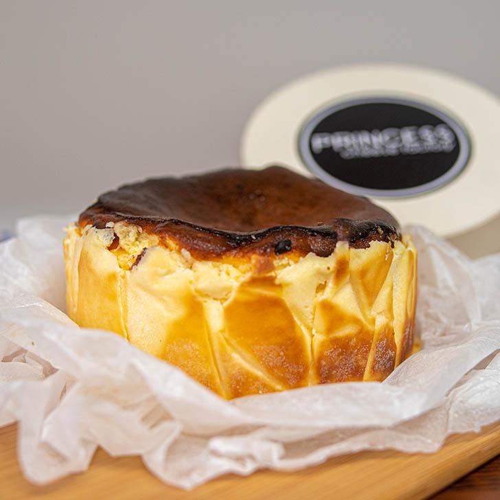 プリンセスチーズファクトリー バスクチーズケーキ3